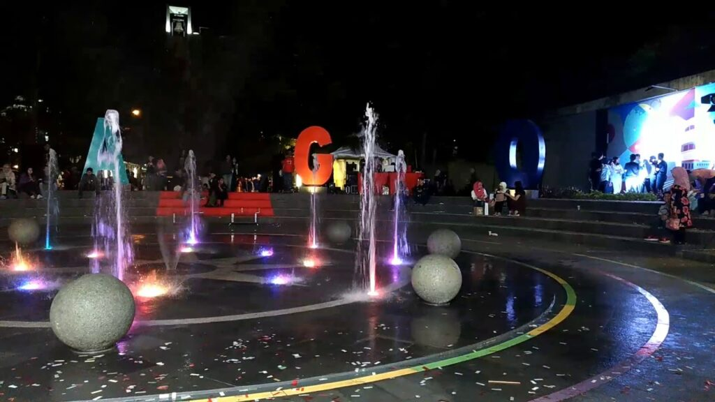 air mancur Playground 75 juta